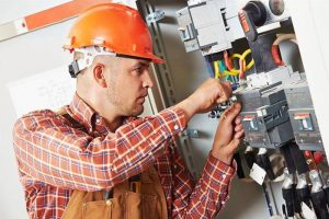 How to Use a Circuit Breaker Finder